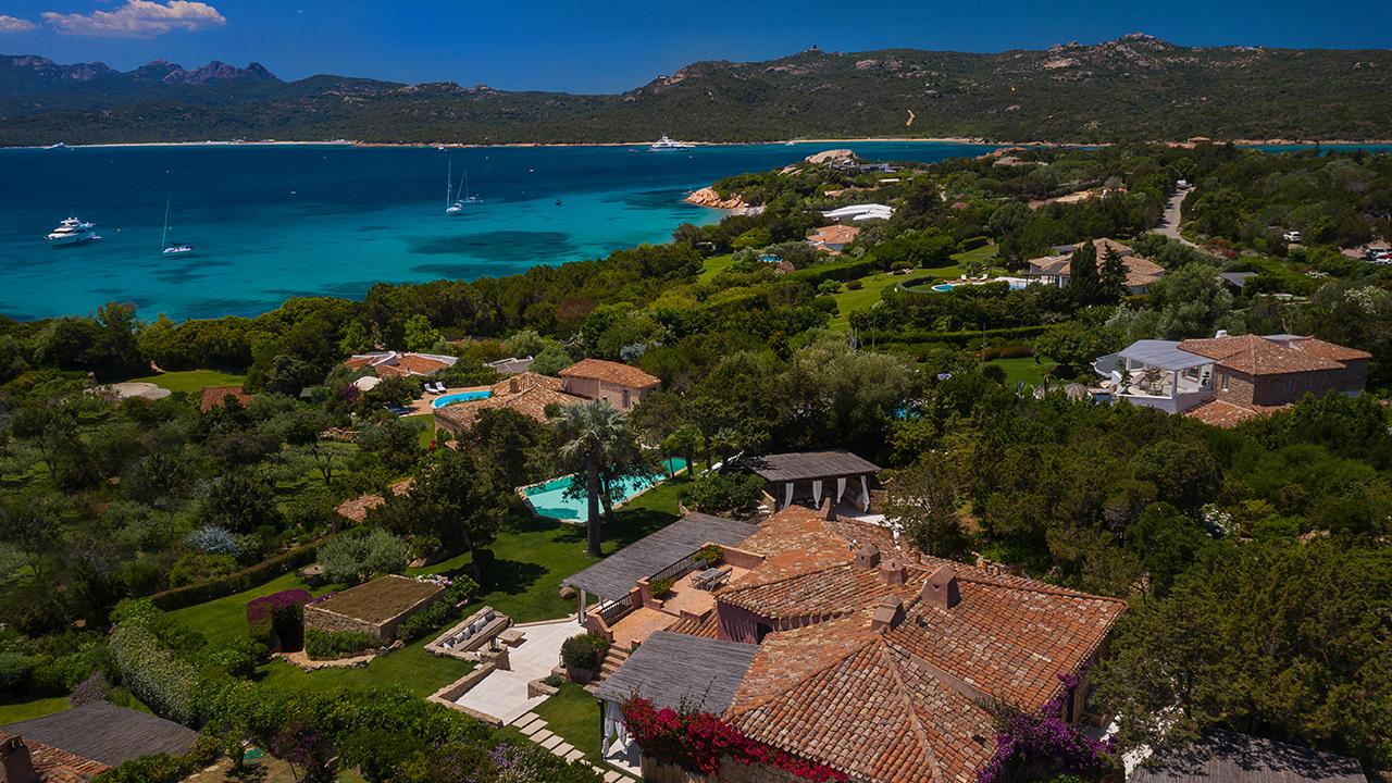 Villa Corbezzoli near the beach