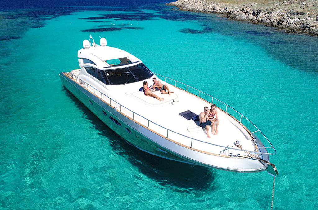 Yacht Charter Vdhre Real estate Costa Smeralda