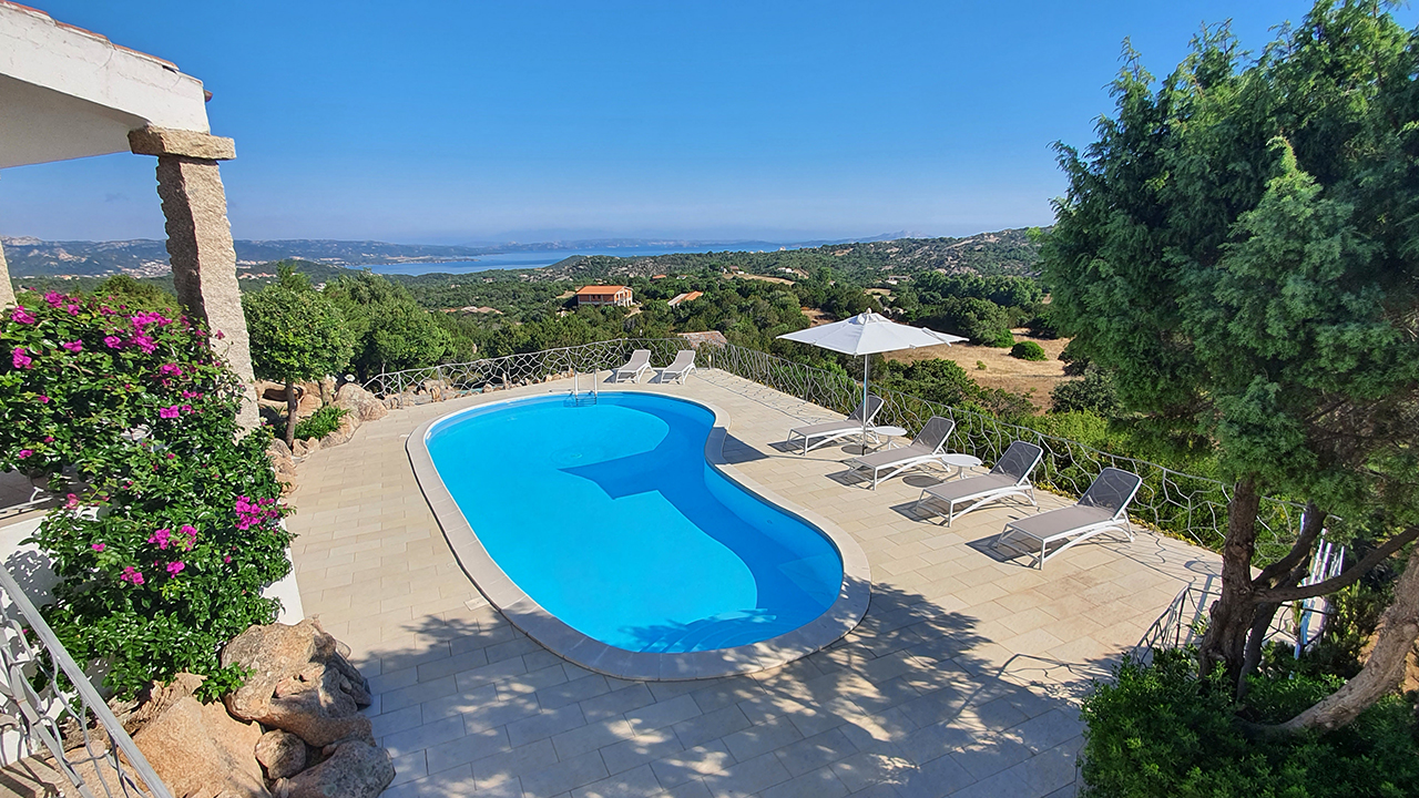 Countryhouse with seaview for sale in Sardinia