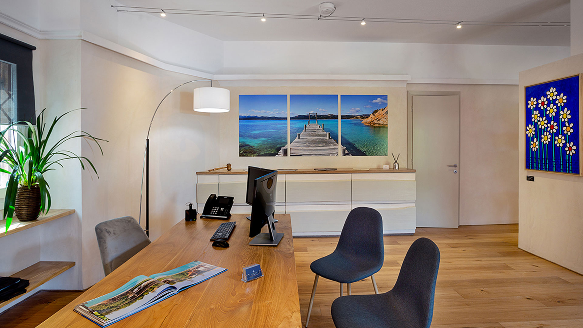 2 Office Vdhre Porto Cervo
