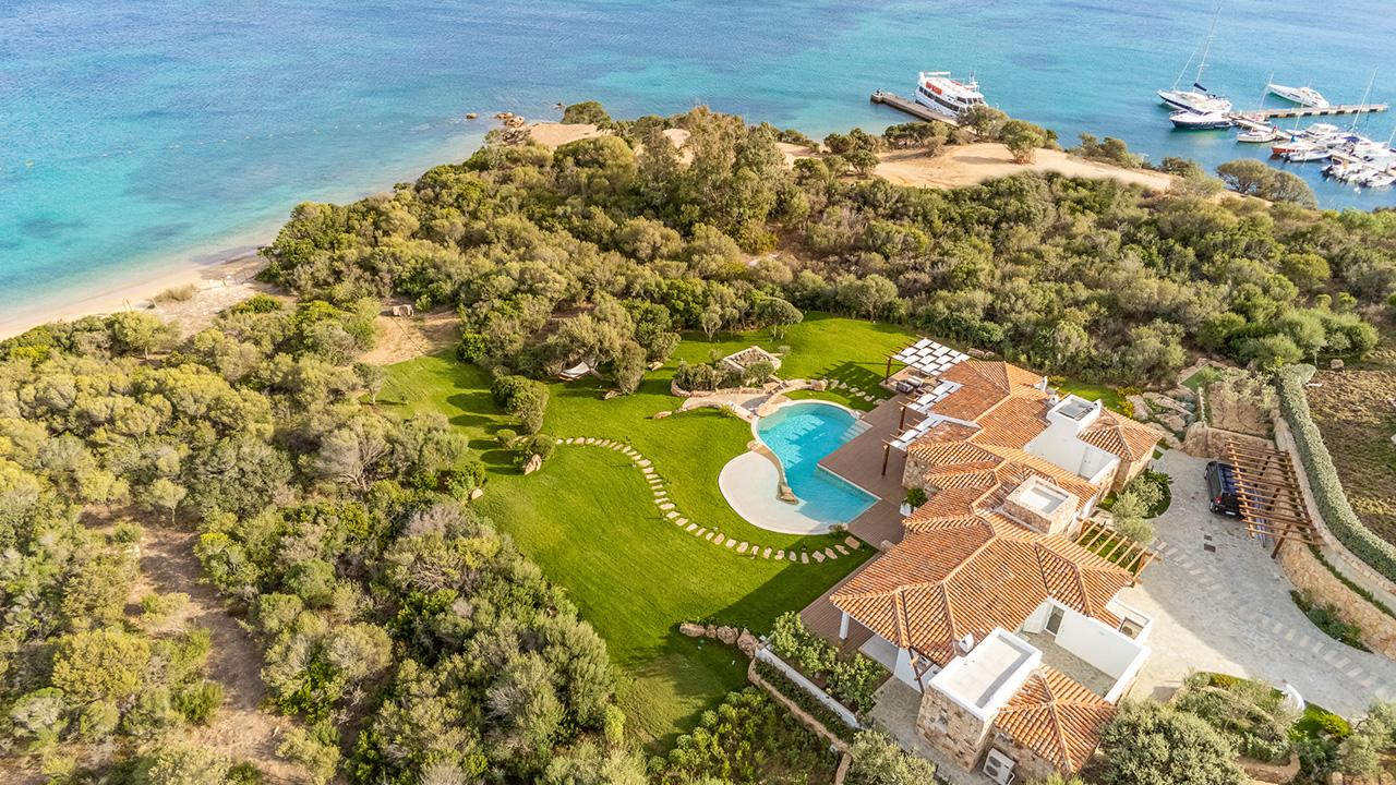 Waterfront Villa Isuledda for rent